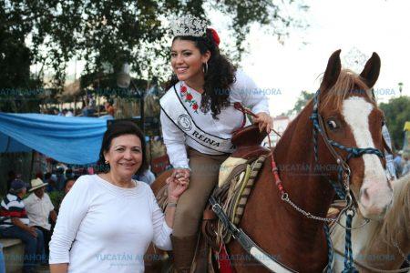 Sofía Castro, en busca de apoyo ciudadano por el oriente de Yucatán