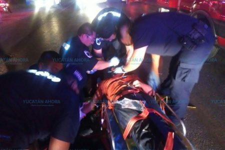 Ebrio, lo atropellan dos autos en la carretera Mérida-Tixkokob