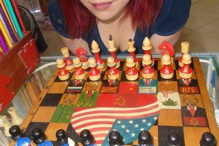 Retorna la guerra fría… sobre  un colorido tablero de ajedrez