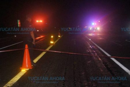 Muere atropellada y otros autos la rematan, en la vía Mérida-Cancún