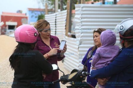 Esposa de El Bronco recaba firmas en Campeche