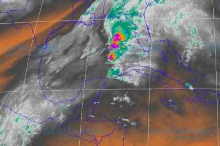 Más lluvia hoy domingo, vendrá acompañada de actividad eléctrica y granizo