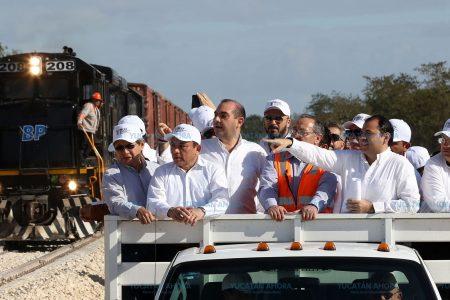 Llega por tren cargamento de cemento al estrenarse el Centro de Operaciones Ferroviarias
