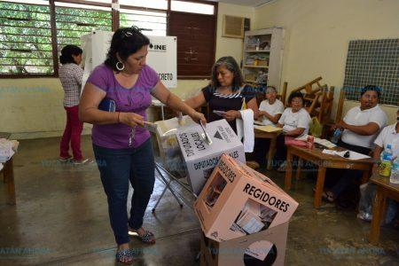Mexicanos votan por candidatos sin importar el partido que los postule