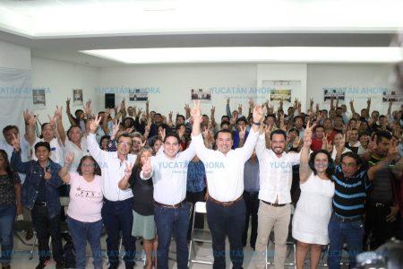 Renán Barrera se reúne con subcomités del PAN en Mérida