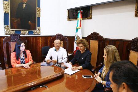 Conmemoran 102 aniversario del Primer Congreso Feminista en Yucatán