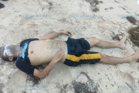 Encuentra un hombre muerto en la orilla del mar, en Progreso