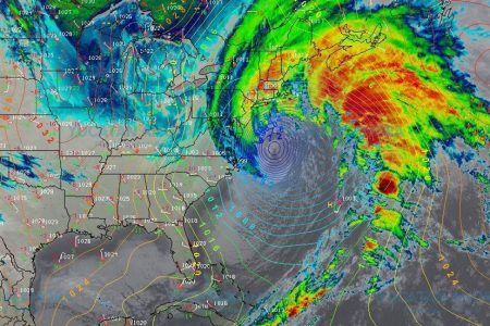 'Huracán-bomba' afecta la costa este de Estados Unidos