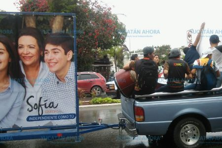 Sofía Castro celebra con sus seguidores sus 31 mil firmas