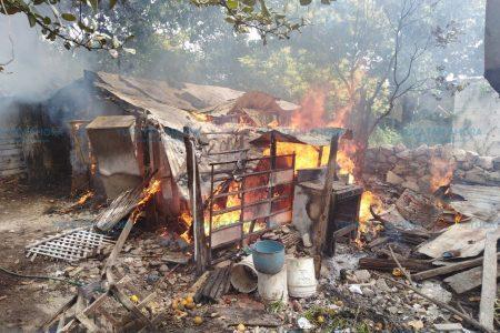 Mujer de 76 años pierde todo en un incendio