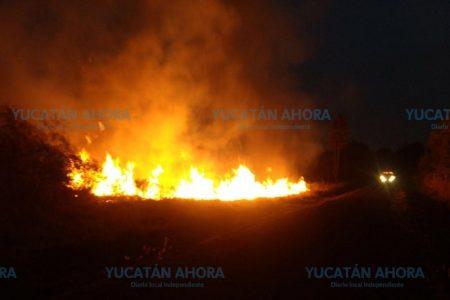 Incendio en Periférico arroja humo a Francisco de Montejo y Chuburná