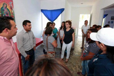 Con apoyo municipal sustituyen sus casitas de cartón por vivienda digna