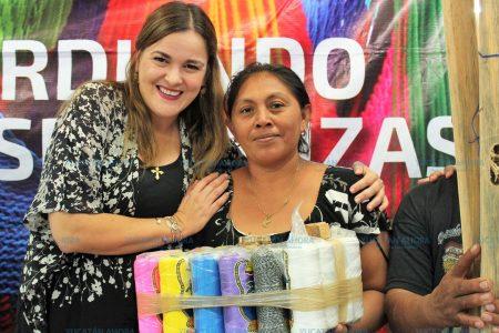 El programa municipal de urdido de hamacas ha sido de beneficio para la mujer meridana