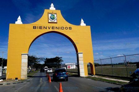 Luce impecable unos de los símbolos de entrada a Mérida