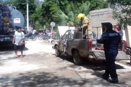 Fuga de gas pone en riesgo de explosión dos tanques en Akil