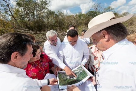 UNAM pone la 'primera piedra' para construir su primera universidad en Yucatán