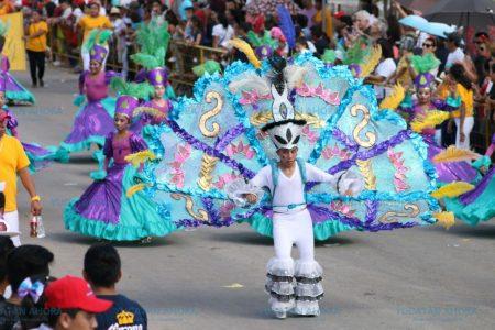 Calor y sol no detuvieron a 135 mil meridanos a divertirse en Plaza Carnaval