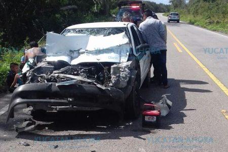 Taxista deja lesionados a sus pasajeros por rebasar sin cuidado