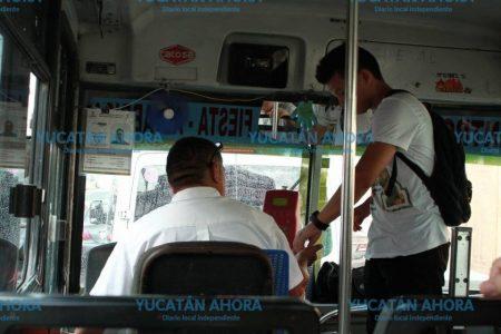Con alza o sin alza, usuarios del transporte en Mérida salen majados