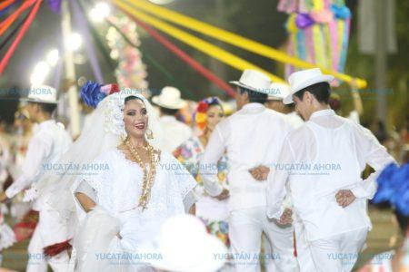 Plaza Carnaval baila al ritmo de la jarana