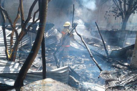 Incendió su casa y escondió la mano… sus vecinos la delataron