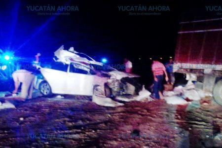 Mortal choque en carretera a causa de un trailero sin precaución