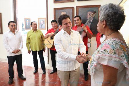 Ofrece Mauricio Sahuí redoblar apoyo a programas culturales de promoción a artistas locales