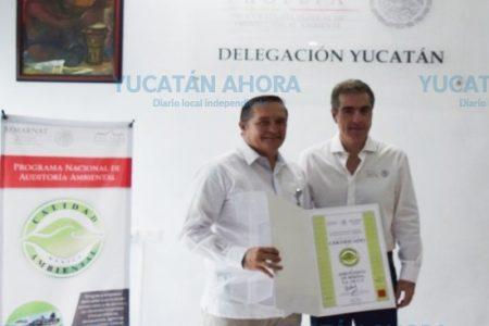 Aeropuerto de Mérida, Bepensa y Barcel reciben reconocimientos ambientales