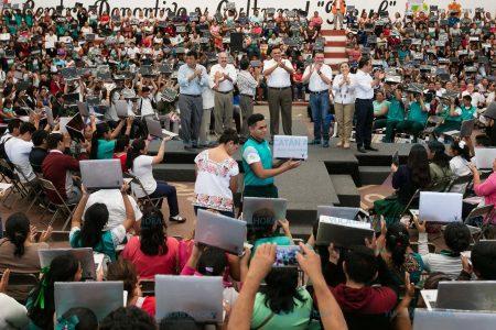 Ven las laptops como la herramienta poderosa para construir el Yucatán del futuro