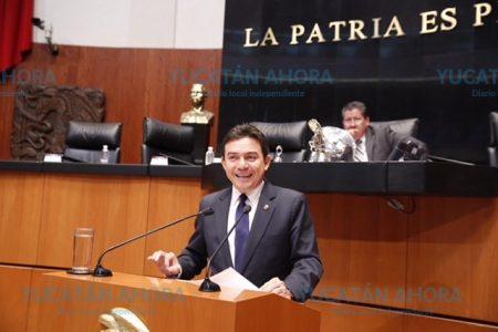Senador yucateco promueve ley para sacar del rezago la producción citrícola