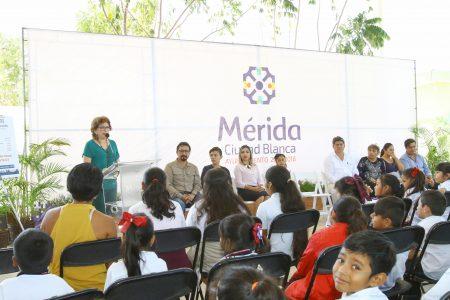 Anuncian construcción de 9 comedores y 11 techos en escuelas de Mérida
