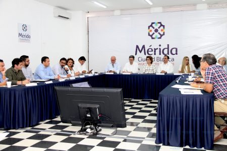 La alcaldesa María Fritz presenta avances de las finanzas municipales