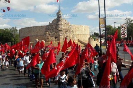 Antorchistas de Yucatán pactan reunión con Rolando Zapata