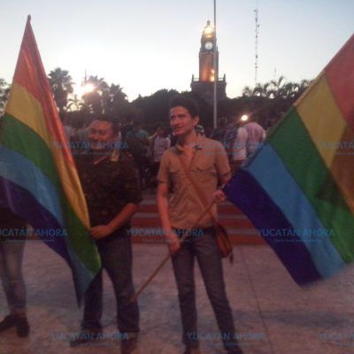Manifestación gay pacífica… con solo ocho participantes