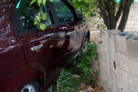 Le sale más caro perseguir a un joven que rayó su auto: acaba contra un muro