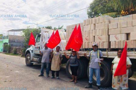 Entrega Antorcha paquetes de vivienda a familias de los municipios del Oriente