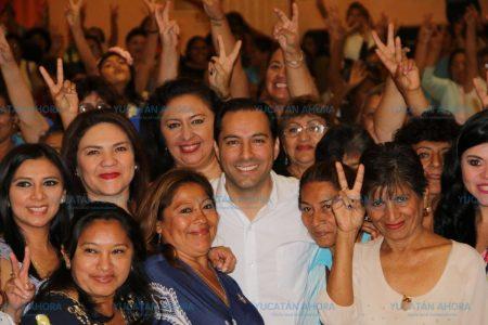 Las mujeres, más que tema de un discurso: Mauricio Vila