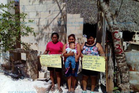 Reciben familias antorchistas del suroriente de Yucatán material para vivienda