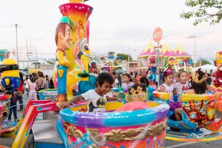 Inauguran la feria 'Vivan los niños', en Plaza El Patio