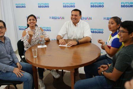 Interés entre jóvenes meridanos por las becas para estudiar en el extranjero