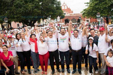 Bajo lluvia los priistas de Valladolid salen a apoyar a sus candidatos