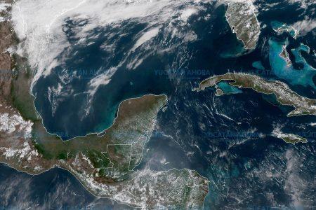 Nubosidad y vientos no detienen al fuerte calor sobre Yucatán