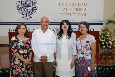Ligia Herrera rinde protesta como directora de la Prepa 1