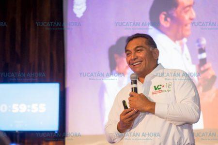 Plantea Víctor Caballero innovador programa de becas universitarias