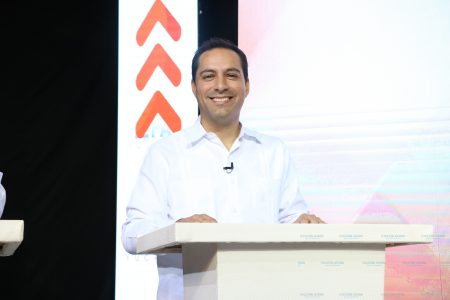 Mauricio Vila aprovecha el debate para desmentir falsas acusaciones