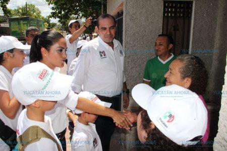 Recibe Felipe Cervera 'lluvia' de quejas en la Mercedes Barrera