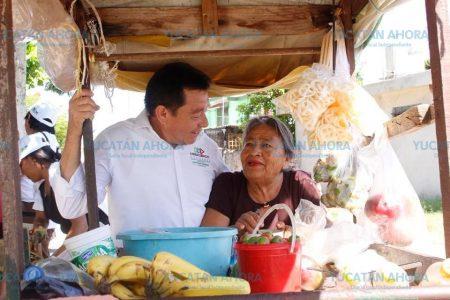 Se compromete Crescencio Gutiérrez a fortalecer programas para adultos mayores