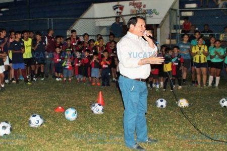 Huacho Díaz creará Centros Regionales de Alto Rendimiento Deportivo