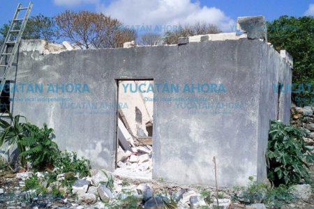 Derrumbe de un techo casi sepulta a un albañil
