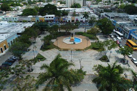Organizan reforestación de parques del centro de Mérida